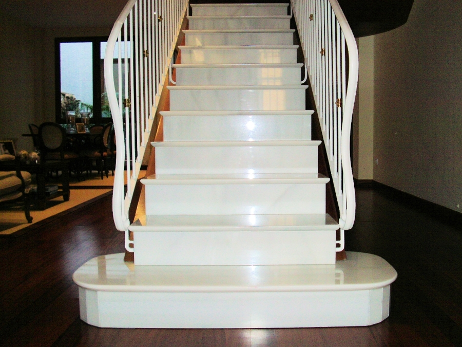 Foto escalera blanco macael de marmoles pons 252263 - Marmoles en valladolid ...
