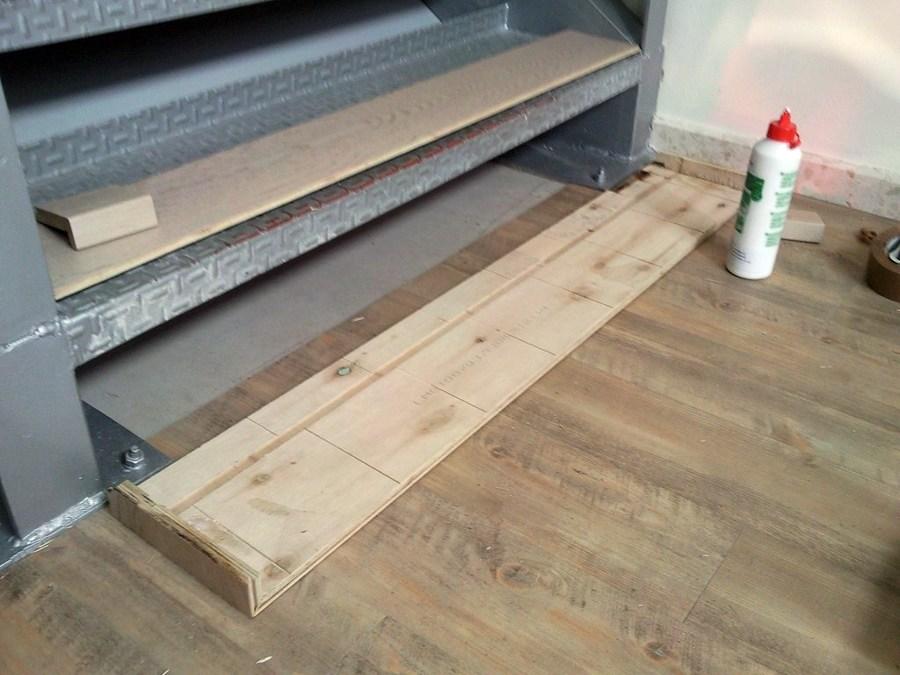 Forrar escalera con parquet flotante e instalar suelo - Papel pintado zaragoza ...