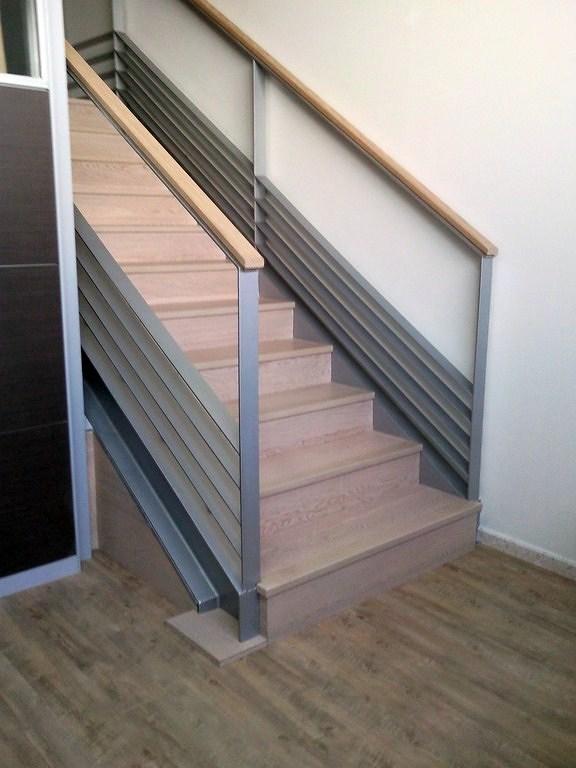 forrar escalera con parquet flotante e instalar suelo