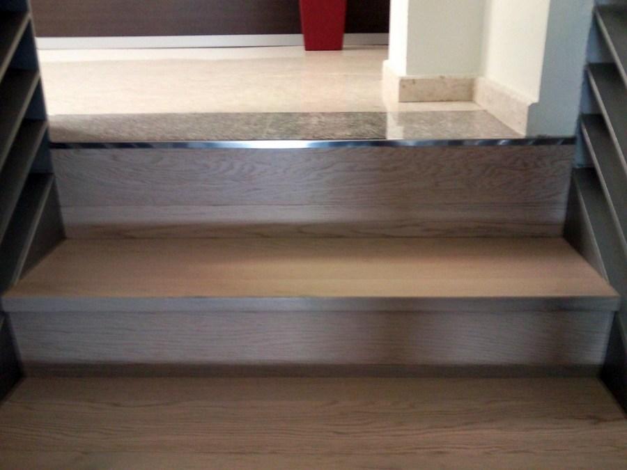 Forrar escalera con parquet flotante e instalar suelo - Como colocar suelo de vinilo ...