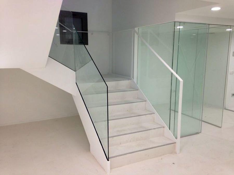 Escalera de Acceso a 1ª planta