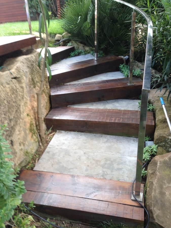 Todo en madera interior y exterior ideas construcci n - Escaleras para jardin ...
