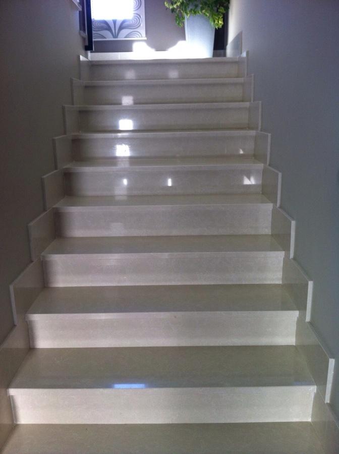 Construccion de escaleras de m rmol ideas pintores - Marmol para escaleras ...