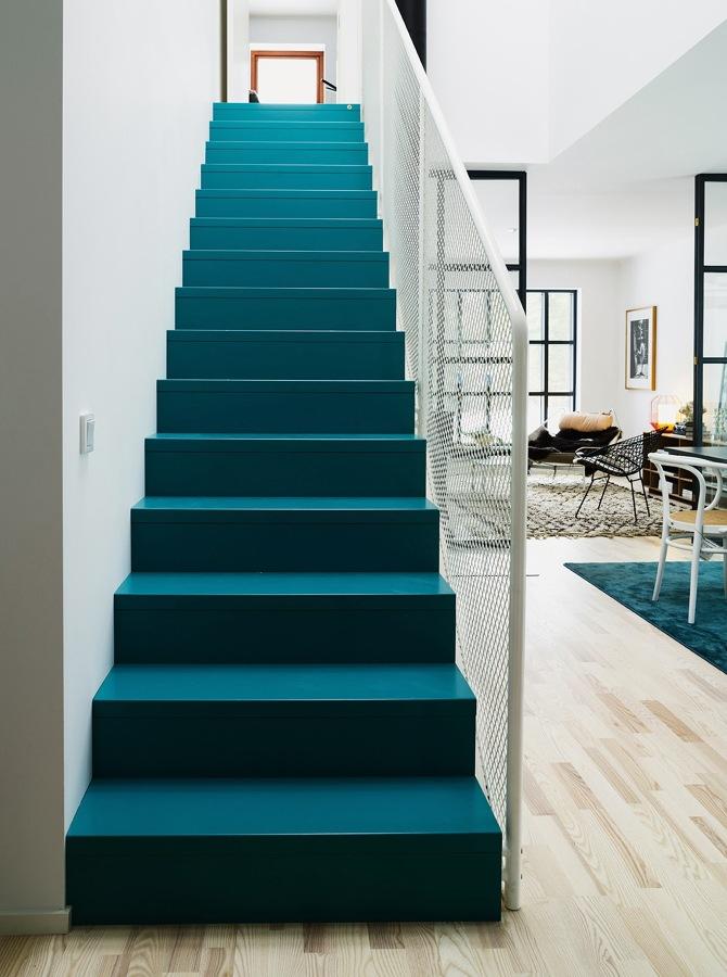 escalera de un solo color