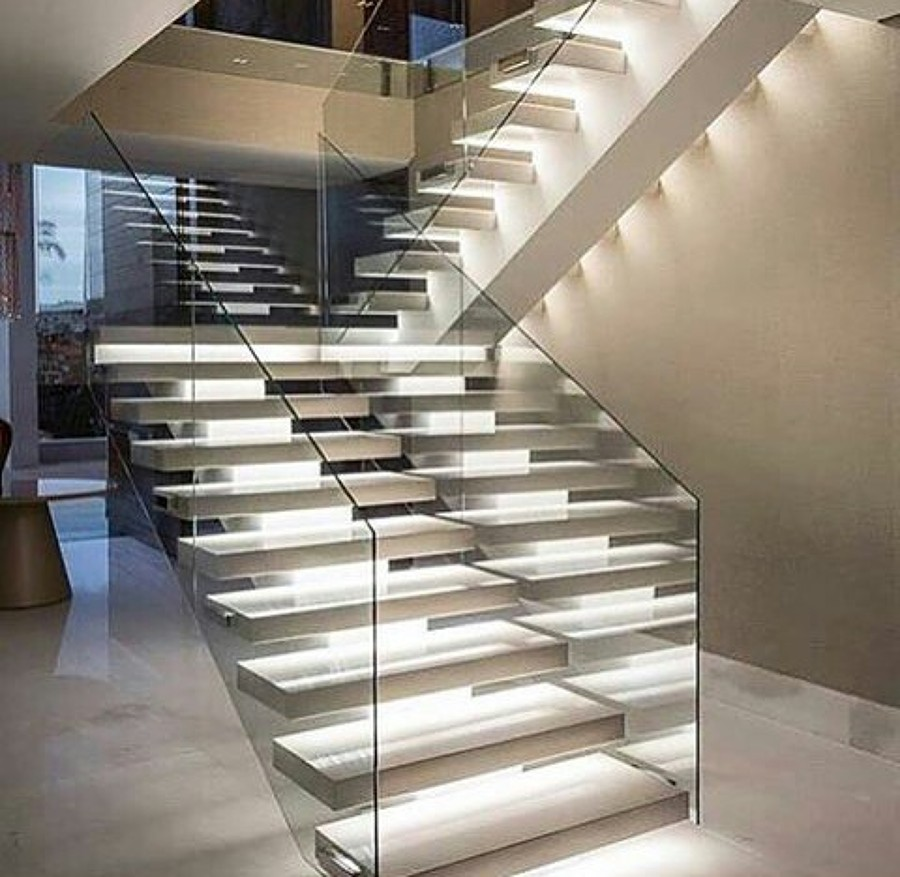 Foto escalera iluminada de grupo artisticos 914624 habitissimo - Iluminacion de escaleras ...
