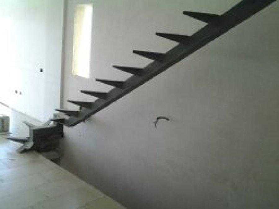 Foto escalera interior de hierro preparada para la - Escaleras de hierro para exterior ...