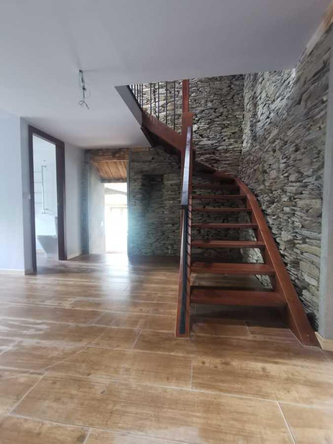 escalera interior vivienda