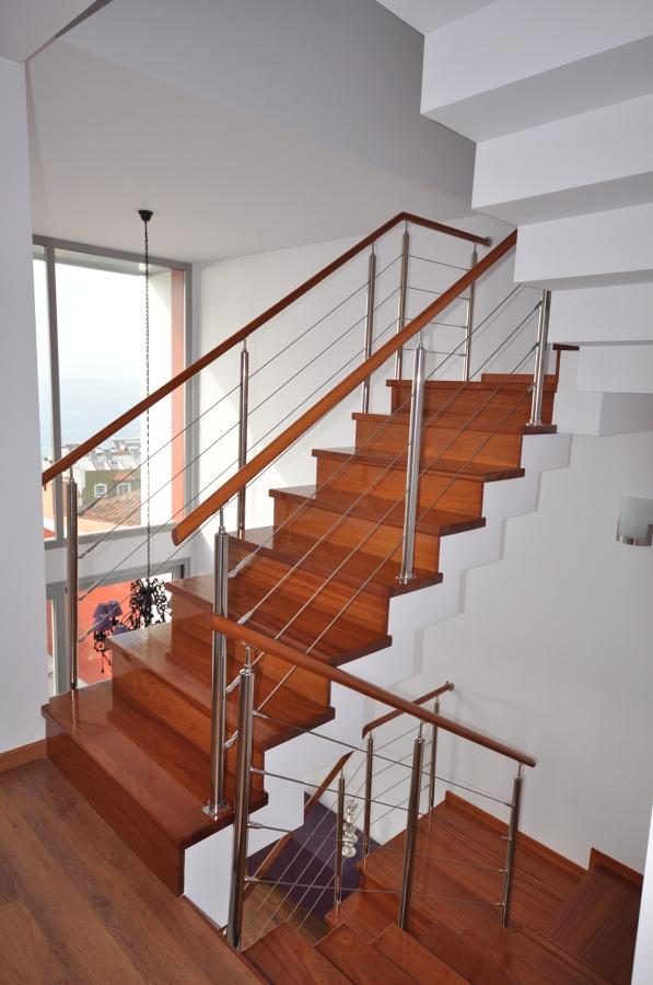 escalera interior y doble altura