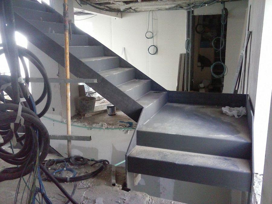 Foto escalera met lica planta 1 a 2 de jesus mateos - Reformas de escaleras ...