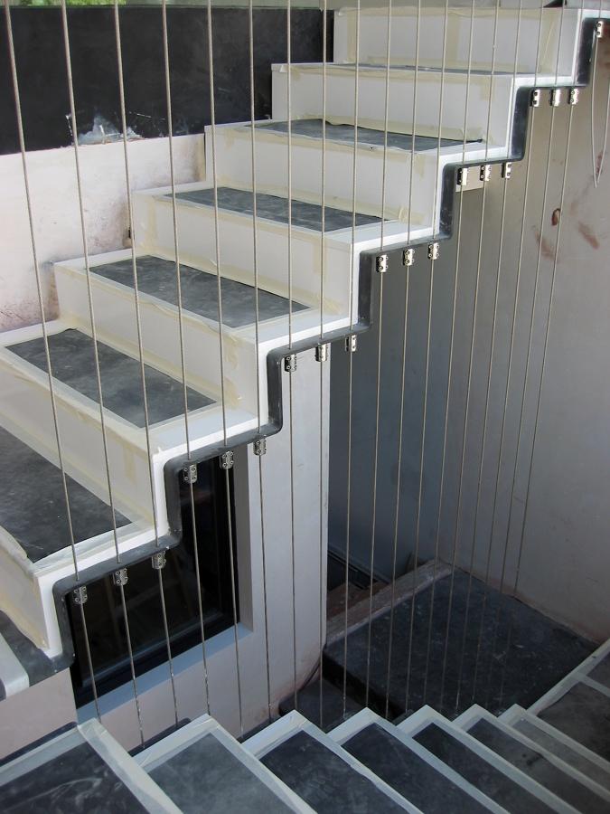 Foto escalera metalica de manyinox 152777 habitissimo for Escaleras metalicas en u