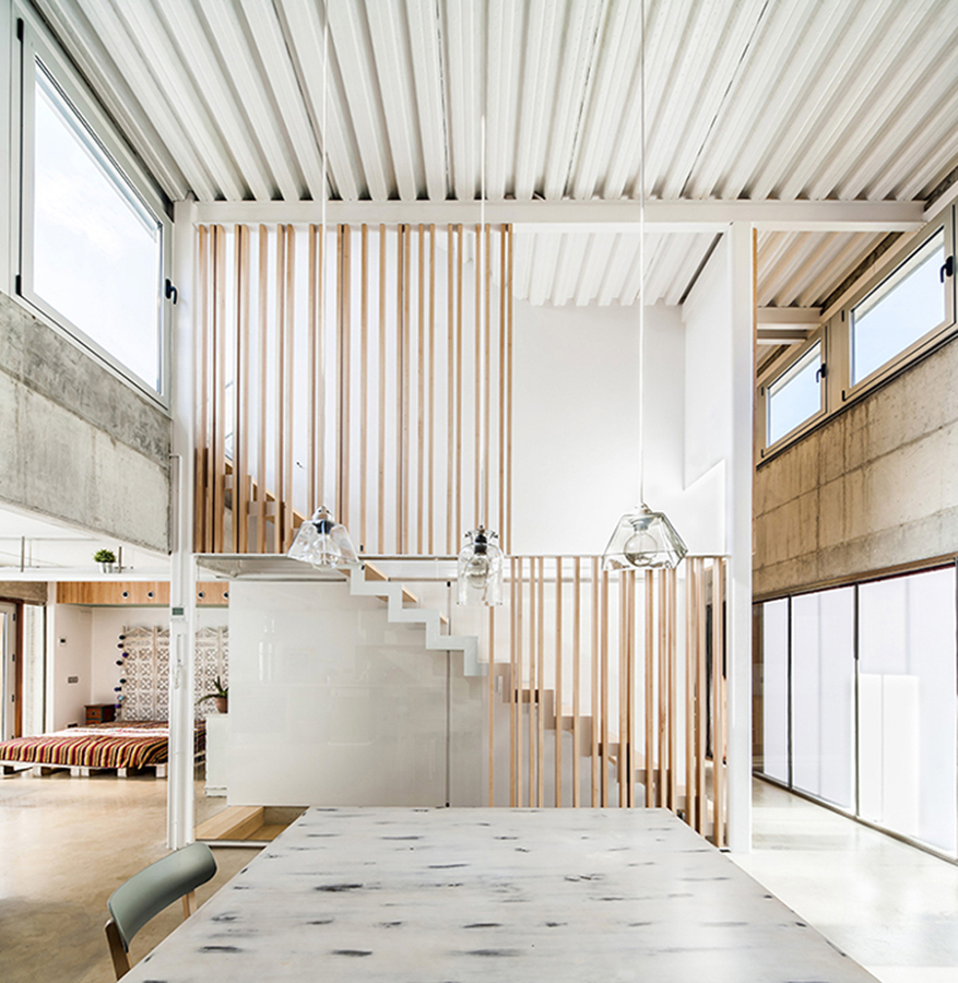 Foto escaleras minimalista de marta v lez arce 993836 for Casa minimalista tarragona
