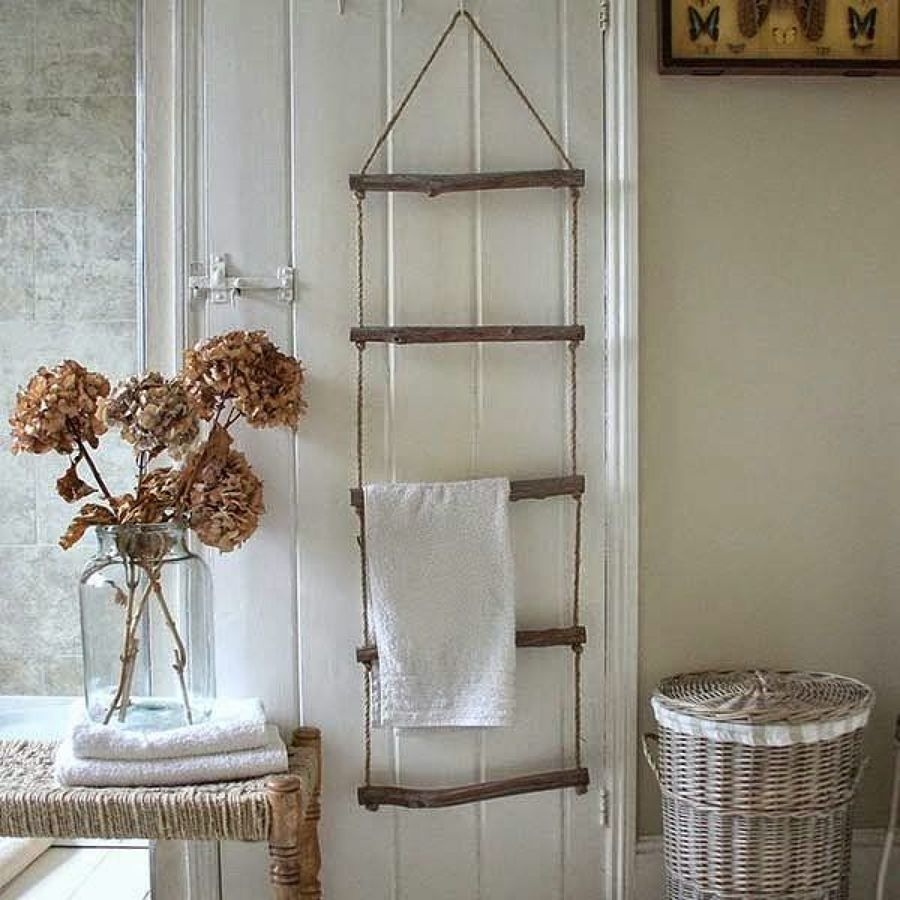 8 muebles auxiliares para el ba o diy obra ideas for Colgar toallas ducha