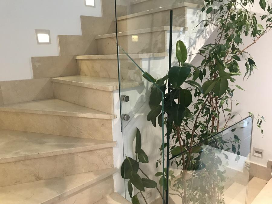 escalera + vidrio