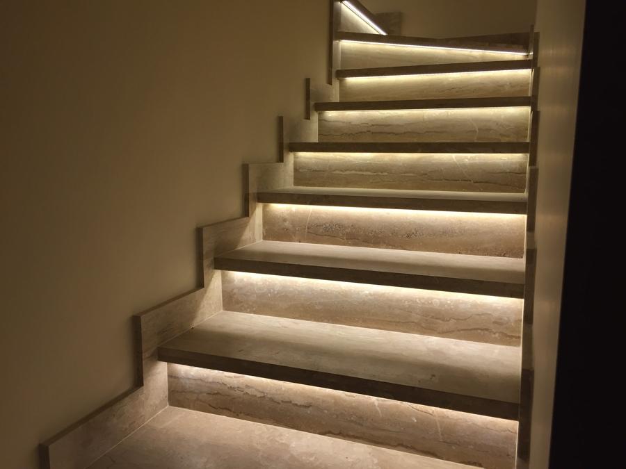 Escalera vista desde abajo