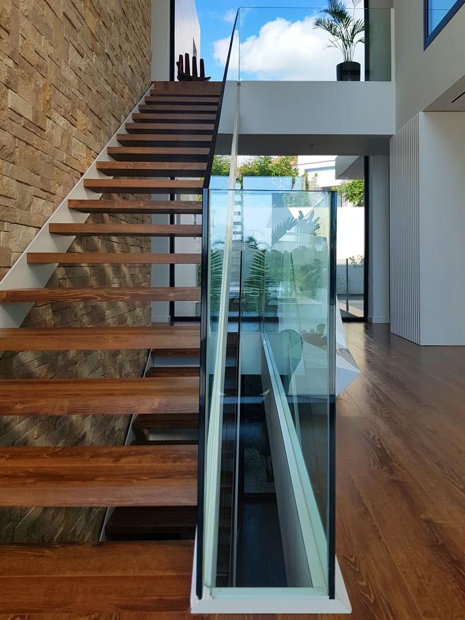 Escalera y caja central de vivienda
