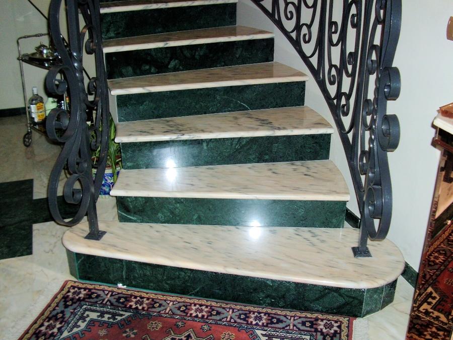Foto escalera de marmoles pons 252262 habitissimo - Marmoles en valladolid ...