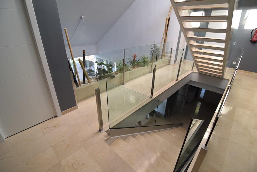 escaleras+barandilla cristal
