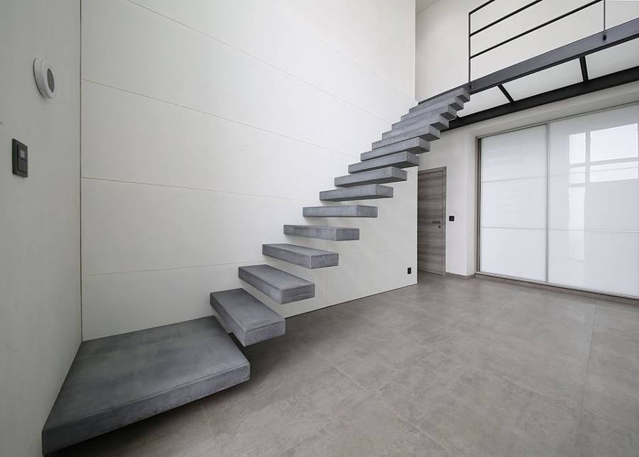 Escaleras de hormigon revestidas de Microcemento Indalcret.