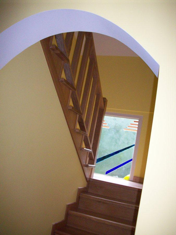 Escaleras de madera maciza