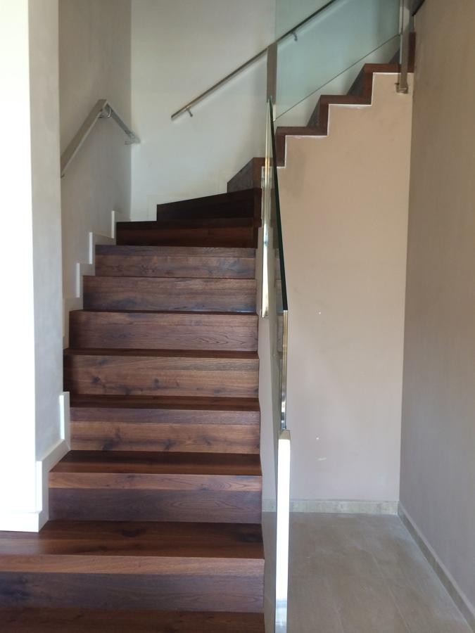 Forrado de escalera de marmol con madera ideas parquetistas - Madera para peldanos de escalera ...
