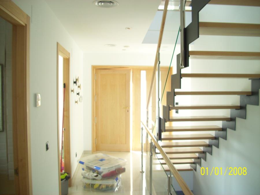 escaleras de planta baja