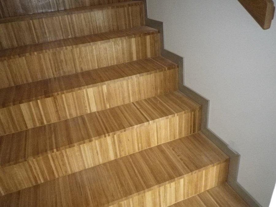 Escaleras del Centro Civico Quijano.