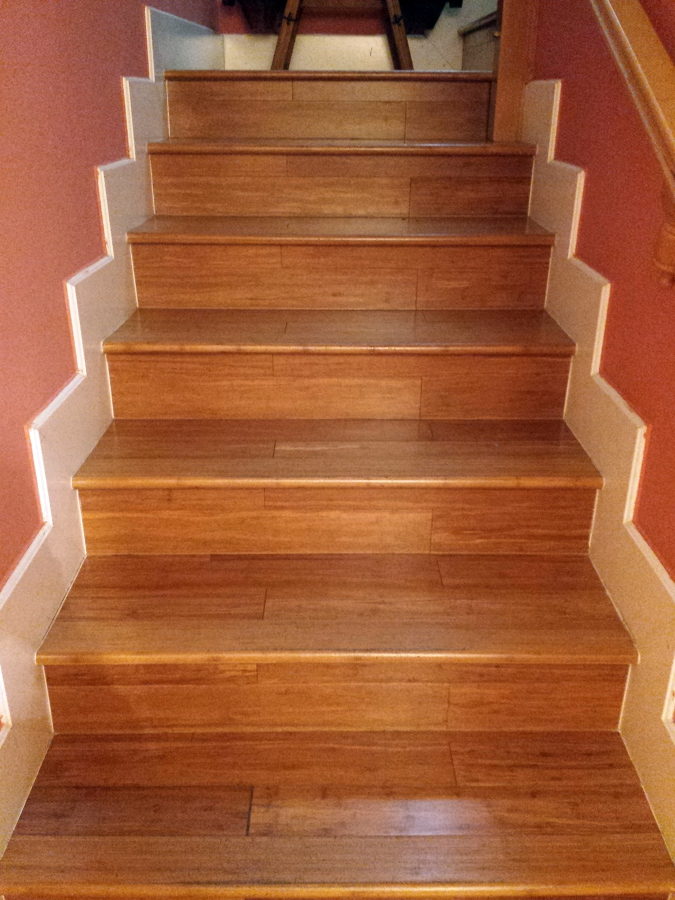 Foto escaleras en tarima maciza de bambu de parquemar sc - Escaleras de bambu ...