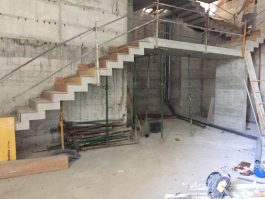 Escaleras de hormigon como barandilla en la vivienda bfr - Escalera prefabricada de hormigon ...