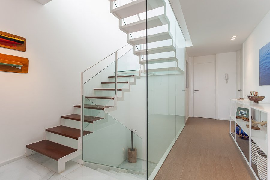 Foto: Escaleras Minimalistas de Galmes I Mansergas Arquitectes #701449 ...