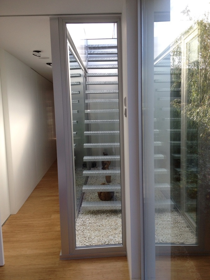 Escaleras subida a jacuzzi