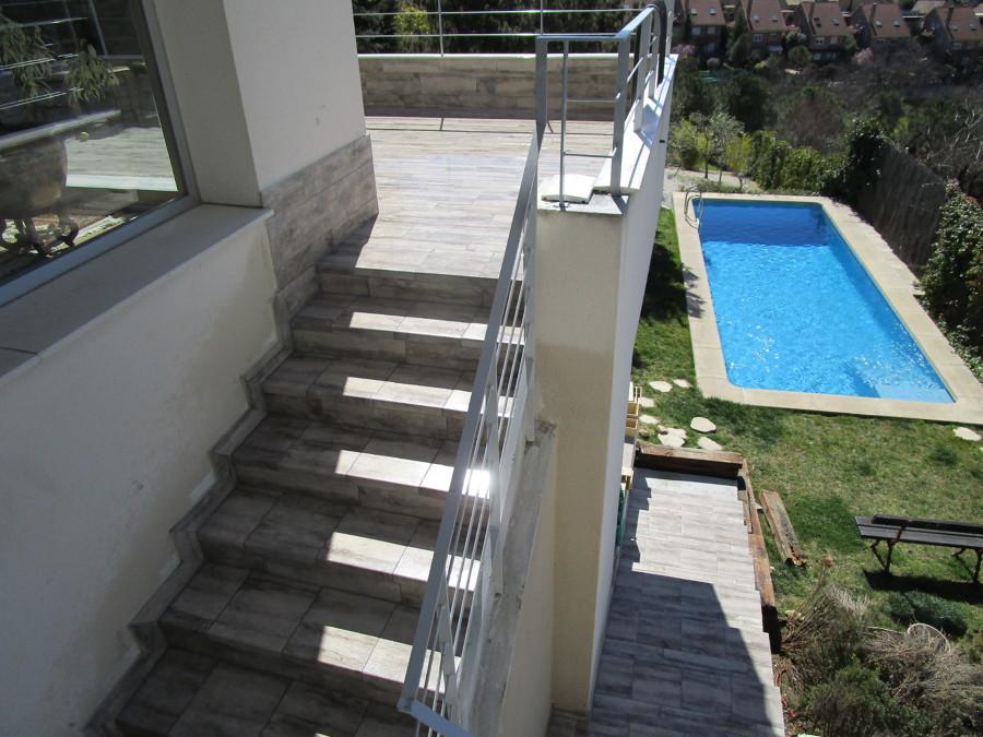 Escaleras terminadas, con rodapie incluido