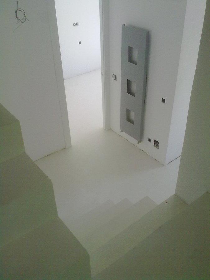 Foto escaleras y pavimento con microcemento de world cret - Pavimento de microcemento ...
