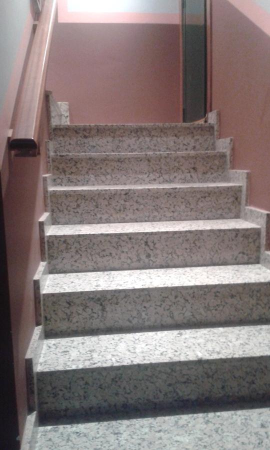 Foto escaleras de construcciones y reformas j touri o - Reformas de escaleras ...