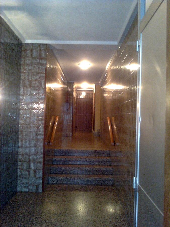 Reforma portal de edificio en gijon pumarin ideas - Portal de reformas ...