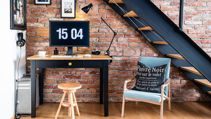 Espacio de trabajo con pared de ladrillo