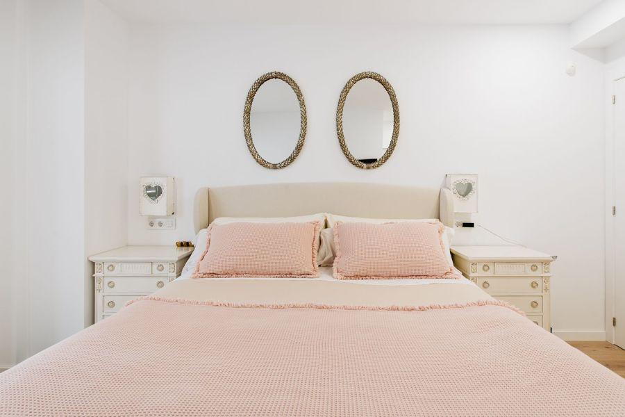 Espejo en dormitorio