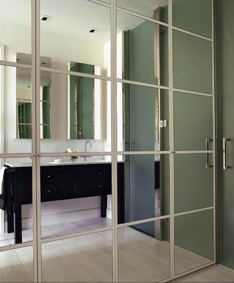 C mo emplear espejos para agrandar tu casa ideas decoradores for Espejo pared completa