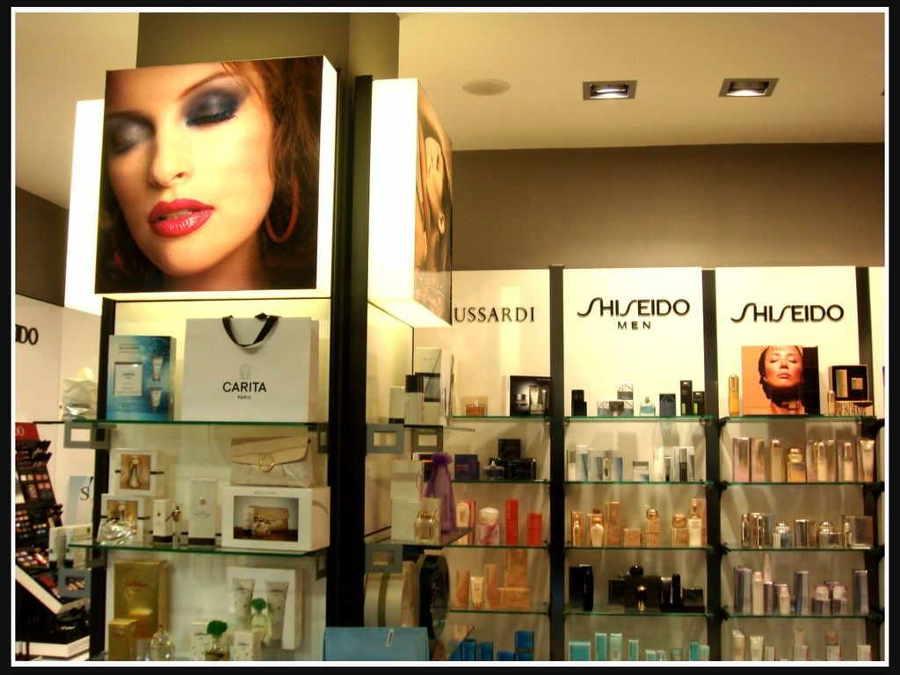 Essence, Perfumería & Alta Cosmética