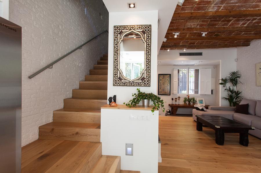 Esta escalera da acceso a la primera planta