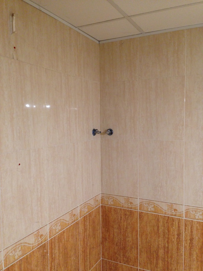 Estado posterior a quitar cabina de ducha