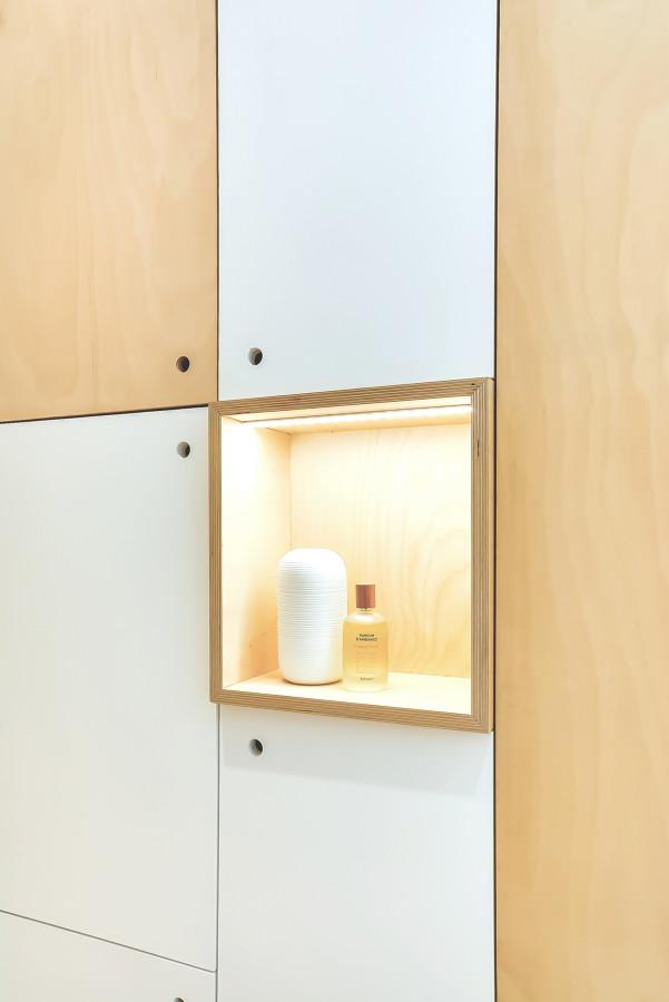 5 ideas que copiar de este mini apartamento ideas - Estanteria a medida ...