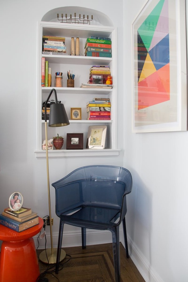 9 super ideas para ordenar tus estanter as con estilo - Estanterias de obra ...
