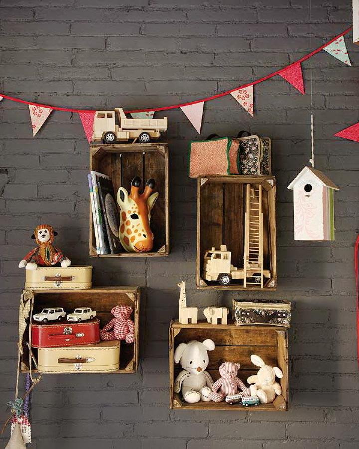 Estantería infantil con cajas