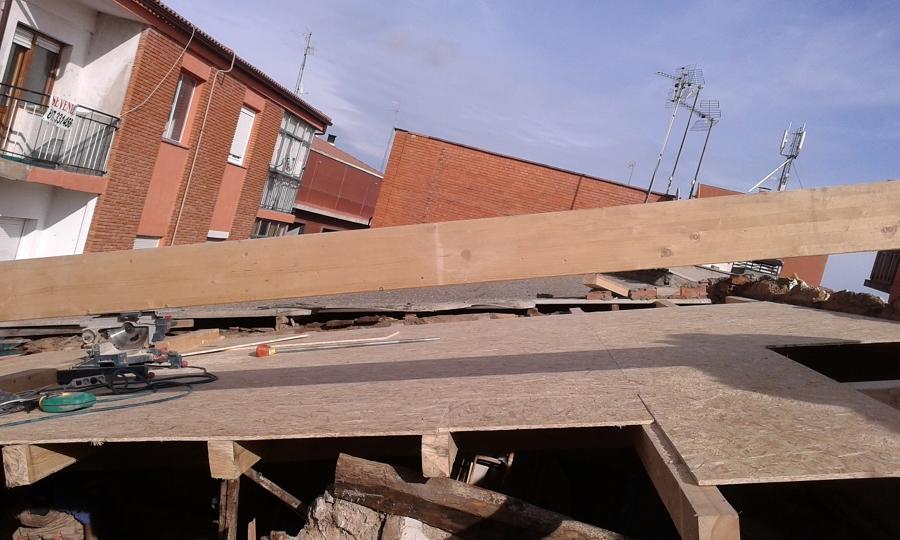 Foto estructura de aliceres construcci n 1102016 for Tejados madera ourense