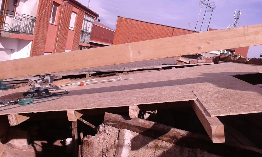 Foto estructura de aliceres construcci n 1102017 for Tejados madera ourense
