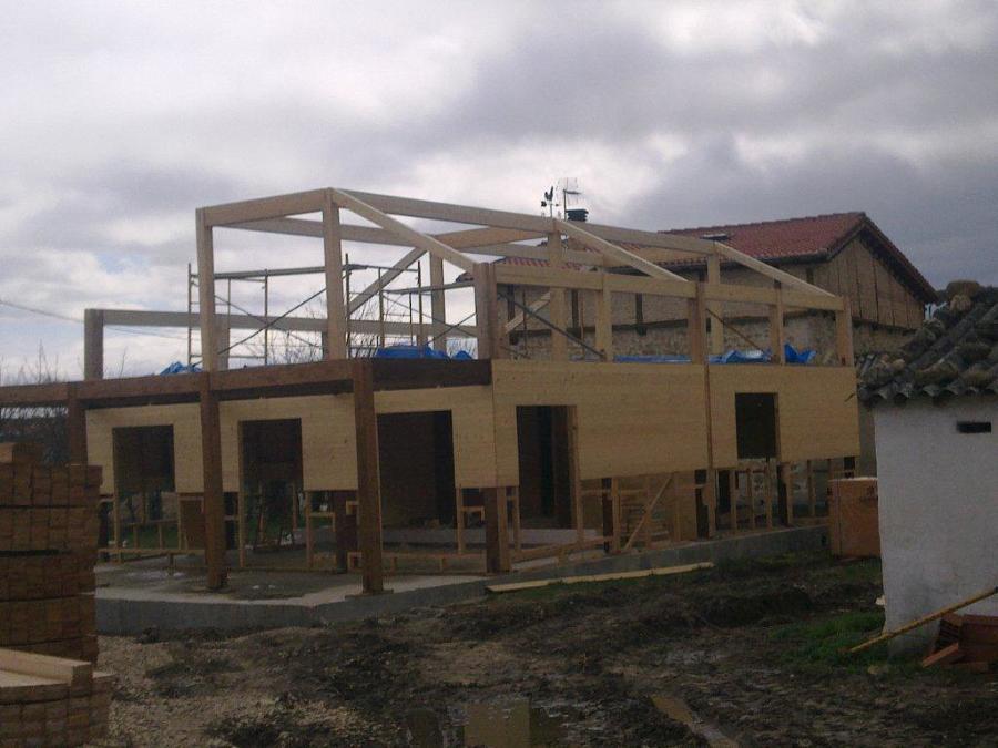 Casa de madera castell n ideas construcci n casas - Estructura casa de madera ...