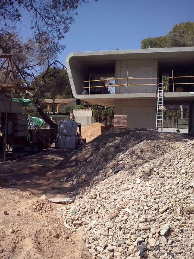 vivienda-unifamiliar-en-construccion_658730.jpg