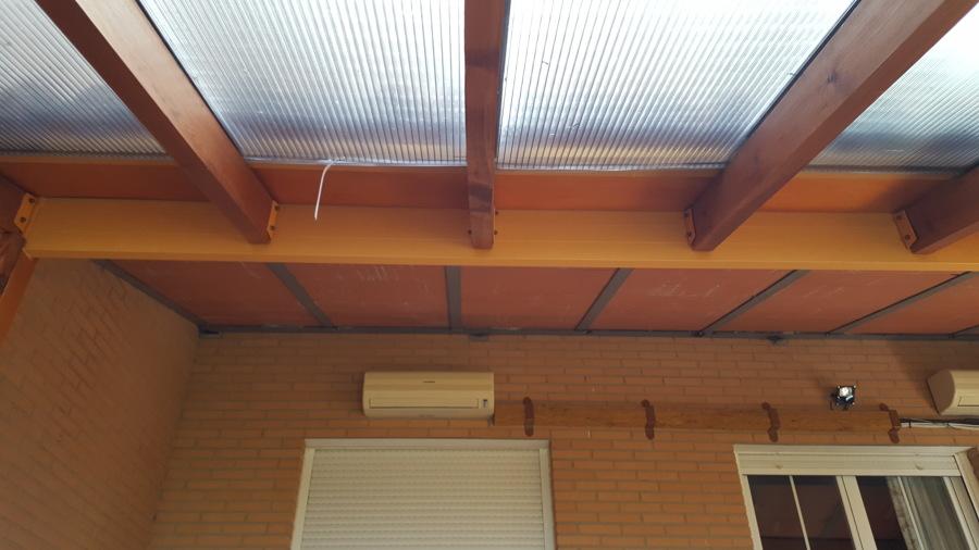 estructura inclinada madera y metalica