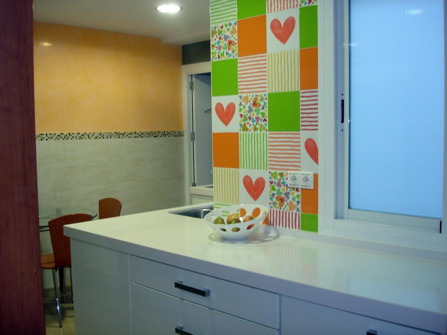 Pintura lisa tierras florentinas brisa y estucos en vivienda de centro de madrid ideas pintores - Cocinas con estuco ...
