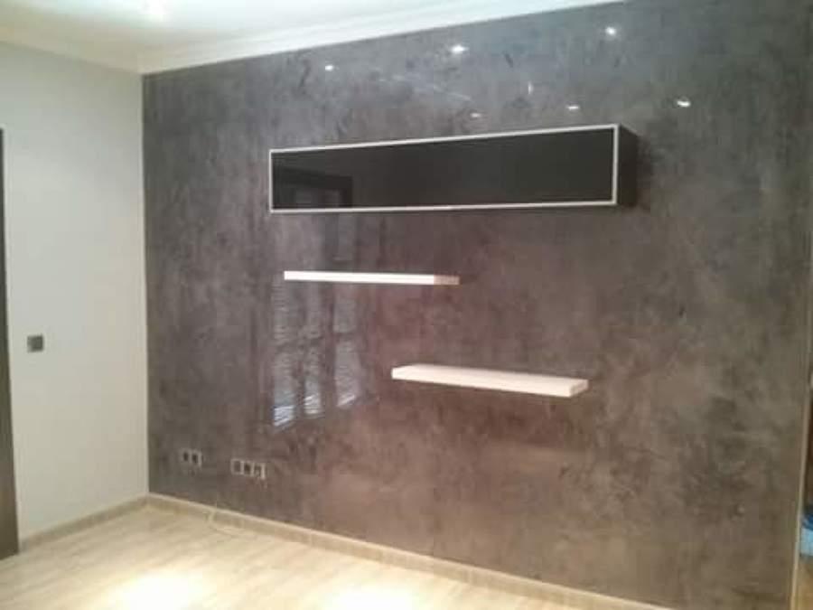 Foto estuco en pared sal n comedor de mundilaca 1097321 - Aplicacion de microcemento en paredes ...